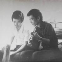 Nhạc sĩ Anh Việt Thu (bên phải)