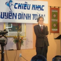 Nhà văn Nguyễn Đình Toàn ngỏ lời với người hâm mộ (Houston)