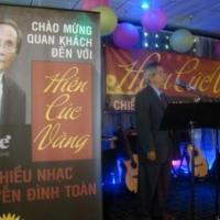 Nhà thơ Nguyễn Xuân Thiệp giới thiệu nhà văn Nguyễn Đình Toàn (Dallas)