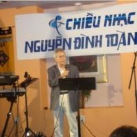 Nhà thơ Nguyễn Xuân Thiệp (Houston)