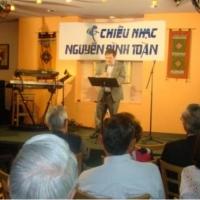 Nhà thơ Phan Xuân Sinh (Houston)