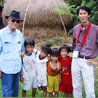 Pham Duy & Duy Cường về thăm làng Mai Xá