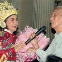 Nghệ sĩ Diệu Hiền và soạn giả Viễn Châu