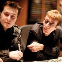 Robin Gibb cùng con trai RJ Gibb trong thời gian sáng tác Titanic Requiem