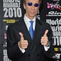 Robin Gibb tại lễ trao giải World Music Award 2010