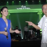 Nhạc sĩ Bảo Chấn (phải) và ca sĩ Ngọc Anh